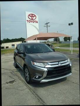 2016 Mitsubishi Outlander for sale at Quality Toyota in Independence KS