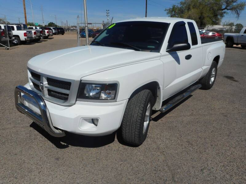 2010 Dodge Dakota for sale at AUGE'S SALES AND SERVICE in Belen NM