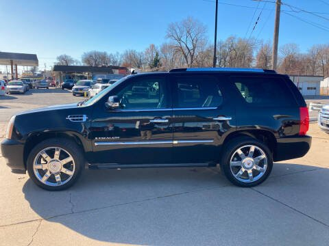 2009 Cadillac Escalade for sale at GRC OF KC in Gladstone MO