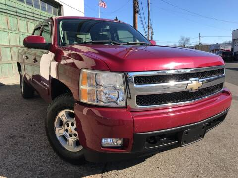 2007 Chevrolet Silverado 1500 for sale at Illinois Auto Sales in Paterson NJ