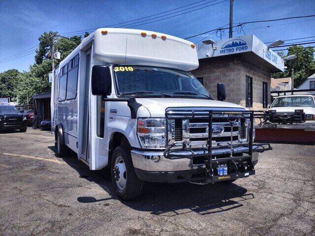 2019 Ford E-Series Chassis for sale in Chicago, IL