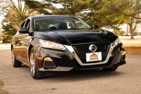 2020 Nissan Altima for sale at Auto House Superstore in Terre Haute IN