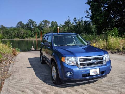 2009 Ford Escape for sale at M AND S CAR SALES LLC in Independence OR