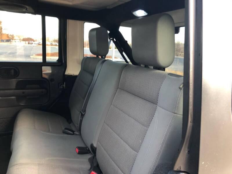 2007 Jeep Wrangler Unlimited 4x4 Sahara 4dr SUV - Bettendorf IA