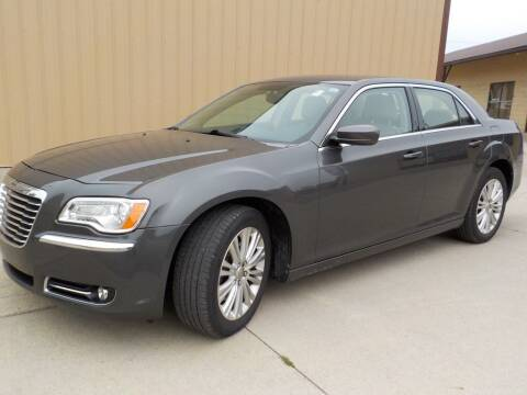 2013 Chrysler 300 for sale at Automotive Locator- Auto Sales in Groveport OH