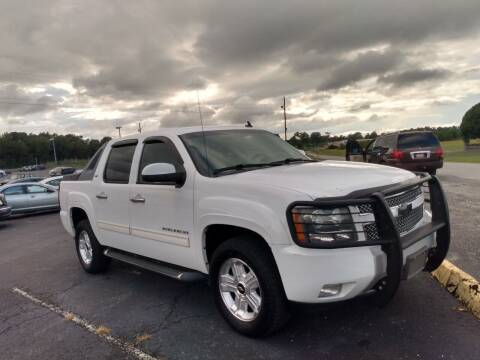 2010 Chevrolet Avalanche for sale at AFFORDABLE DISCOUNT AUTO in Humboldt TN