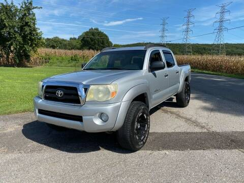 2005 Toyota Tacoma for sale at Tennessee Valley Wholesale Autos LLC in Huntsville AL