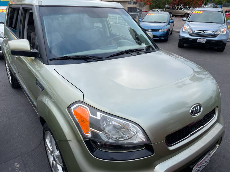 2011 Kia Soul for sale at CARZ in San Diego CA