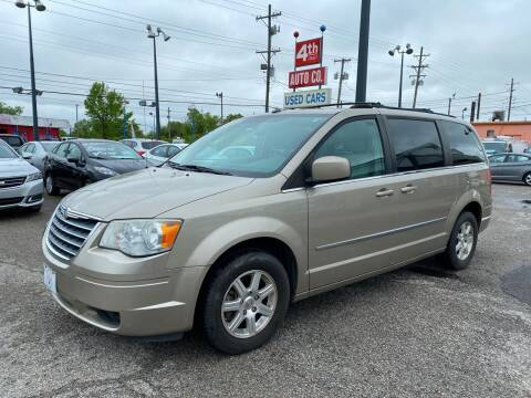 2009 Chrysler Town and Country for sale at 4th Street Auto in Louisville KY