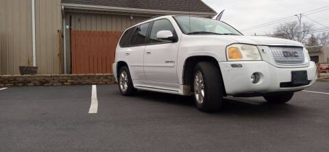 2007 GMC Envoy for sale at Double Take Auto Sales LLC in Dayton OH