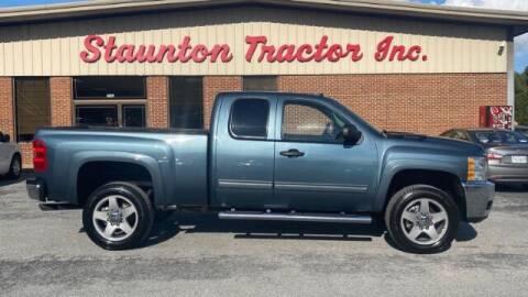 2013 Chevrolet Silverado 2500HD for sale at STAUNTON TRACTOR INC in Staunton VA