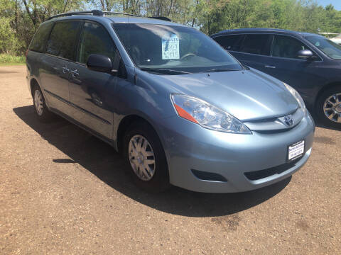 2007 Toyota Sienna for sale at BARNES AUTO SALES in Mandan ND