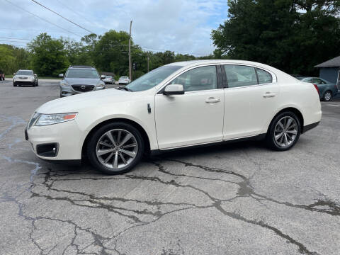 2009 Lincoln MKS for sale at Adairsville Auto Mart in Plainville GA