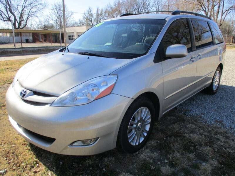 2008 Toyota Sienna for sale at Dons Carz in Topeka KS