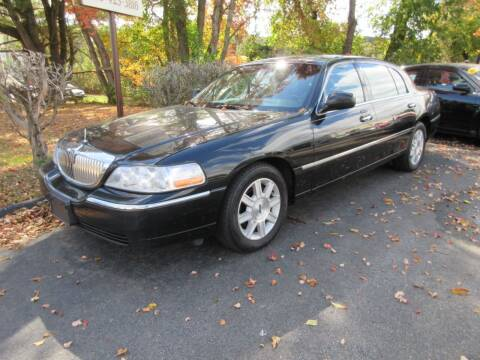 2011 Lincoln Town Car for sale at ABC AUTO LLC in Willimantic CT
