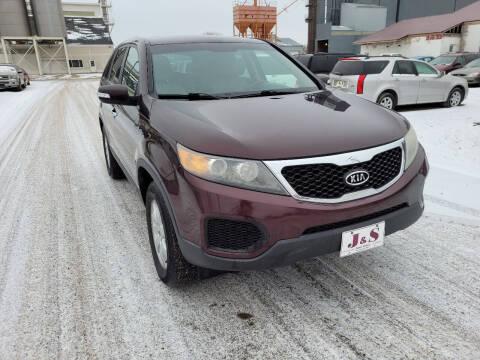 2011 Kia Sorento for sale at J & S Auto Sales in Thompson ND