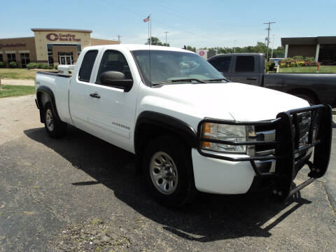2010 Chevrolet Silverado 1500 for sale at J & L Sales LLC in Topeka KS