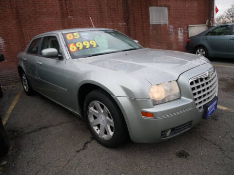 2005 Chrysler 300 for sale at MICHAEL ANTHONY AUTO SALES in Plainfield NJ