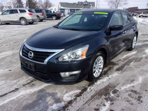 2014 Nissan Altima for sale at Ideal Auto Sales, Inc. in Waukesha WI
