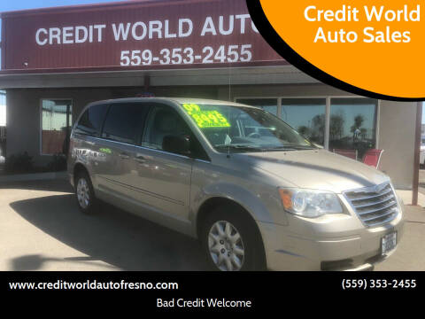 2009 Chrysler Town and Country for sale at Credit World Auto Sales in Fresno CA