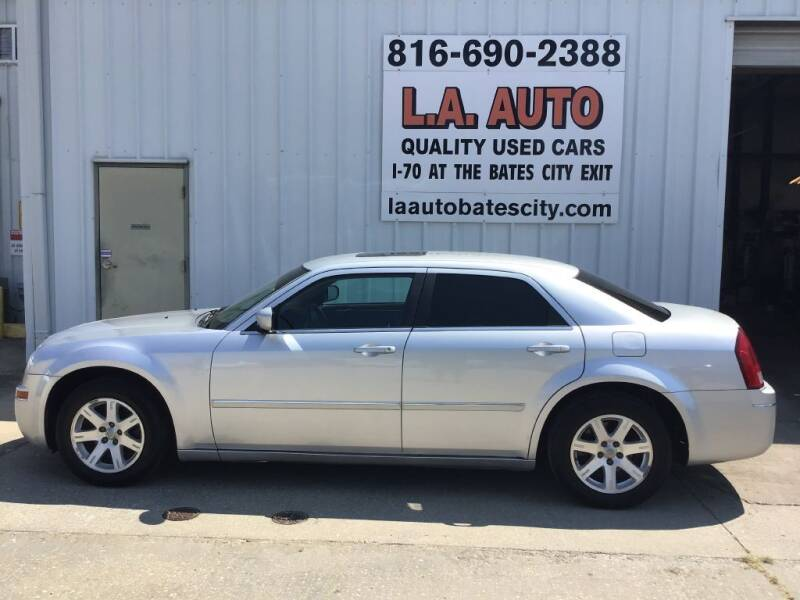 2006 Chrysler 300 Touring 4dr Sedan - Bates City MO