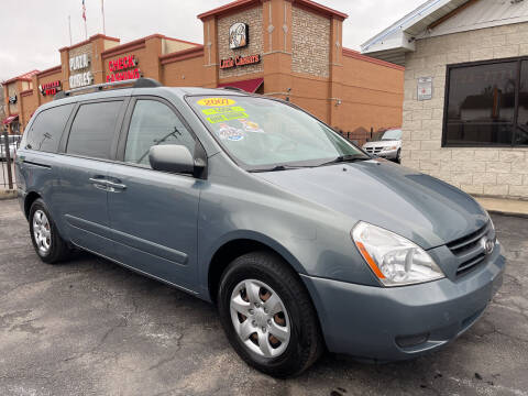 2007 Kia Sedona for sale at Figueroa Auto Sales in Joliet IL
