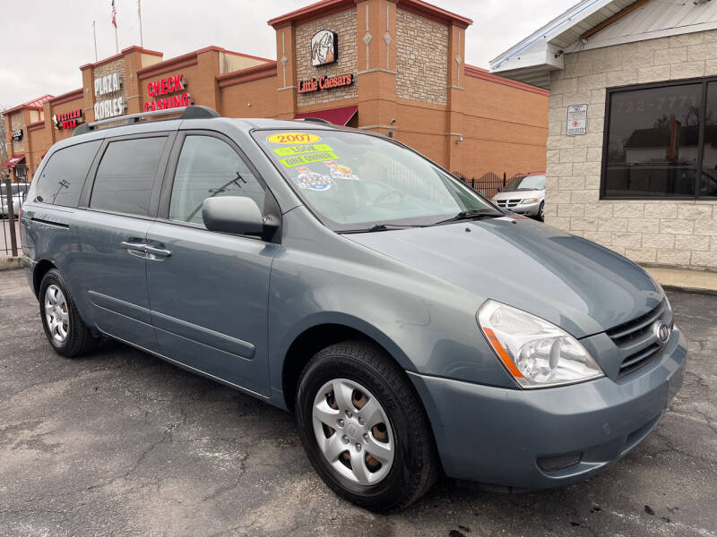 2007 Kia Sedona for sale at Figueroa Auto Sales in Joliet IL