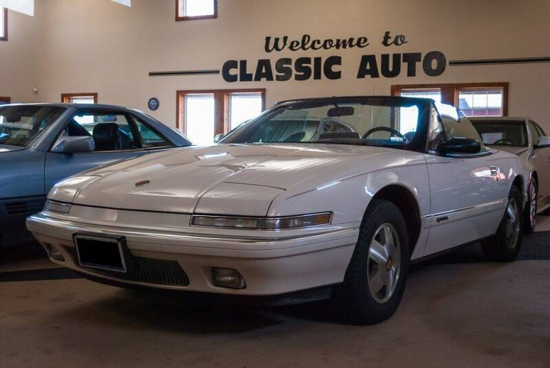 1990 Buick Reatta for sale at Gary Miller's Classic Auto in El Paso IL