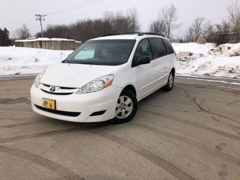 2006 Toyota Sienna for sale at 5K Autos LLC in Roselle IL