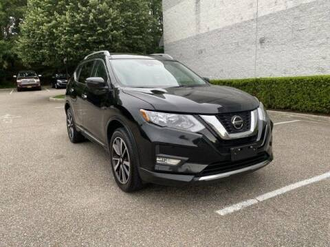 2019 Nissan Rogue for sale at Select Auto in Smithtown NY