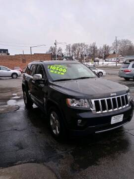 2011 Jeep Grand Cherokee for sale at Rocket Cars Auto Sales LLC in Des Moines IA