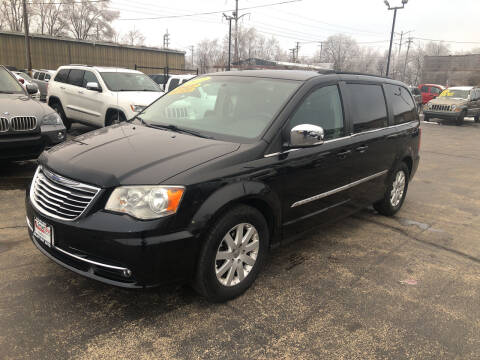 2011 Chrysler Town and Country for sale at Smart Buy Auto in Bradley IL