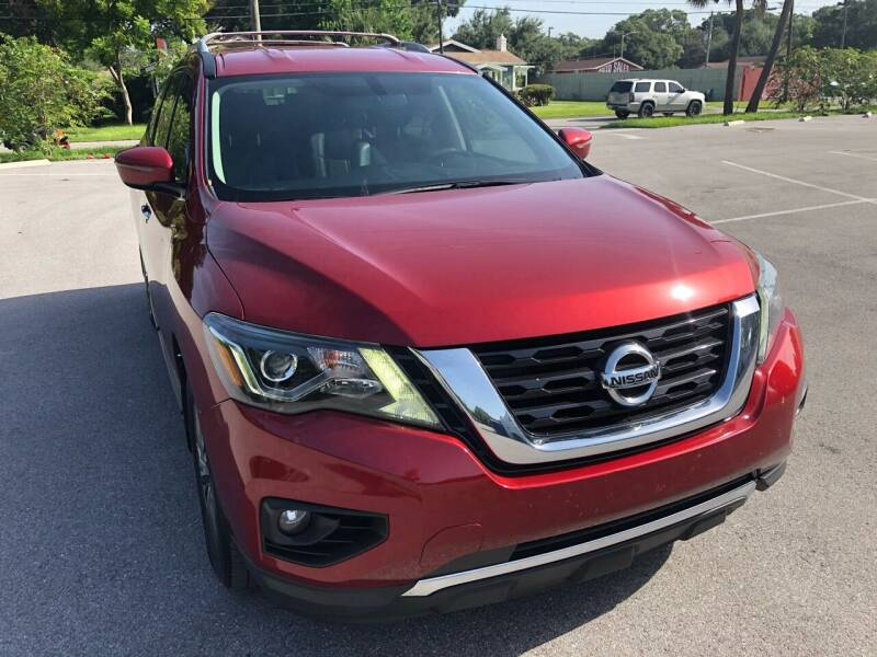 2017 Nissan Pathfinder for sale at LUXURY AUTO MALL in Tampa FL