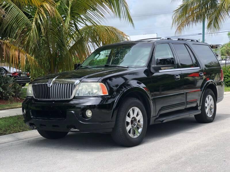 2004 Lincoln Navigator for sale at L G AUTO SALES in Boynton Beach FL