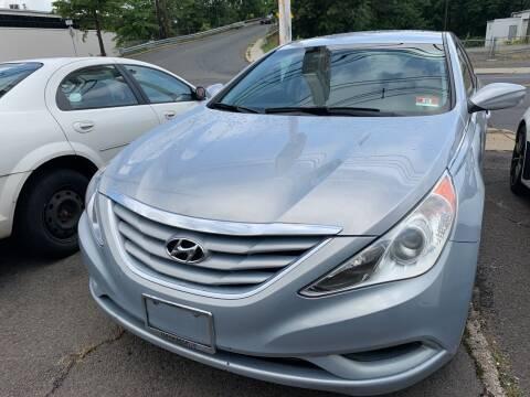 2013 Hyundai Sonata for sale at M & C AUTO SALES in Roselle NJ