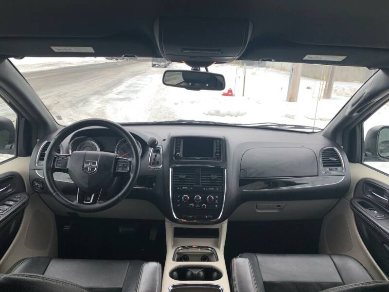 2017 Dodge Grand Caravan SXT 4dr Mini-Van - Farmington MN