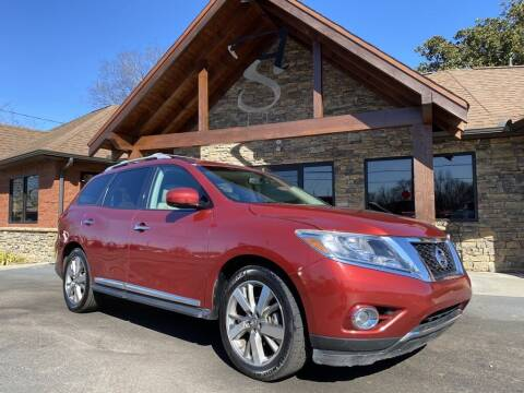 2014 Nissan Pathfinder for sale at Auto Solutions in Maryville TN