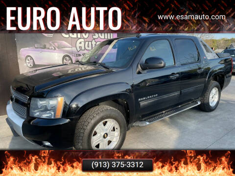 2010 Chevrolet Avalanche for sale at Euro Auto in Overland Park KS