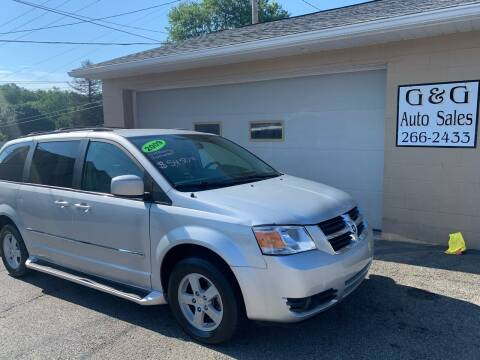 2009 Dodge Grand Caravan for sale at G & G Auto Sales in Steubenville OH