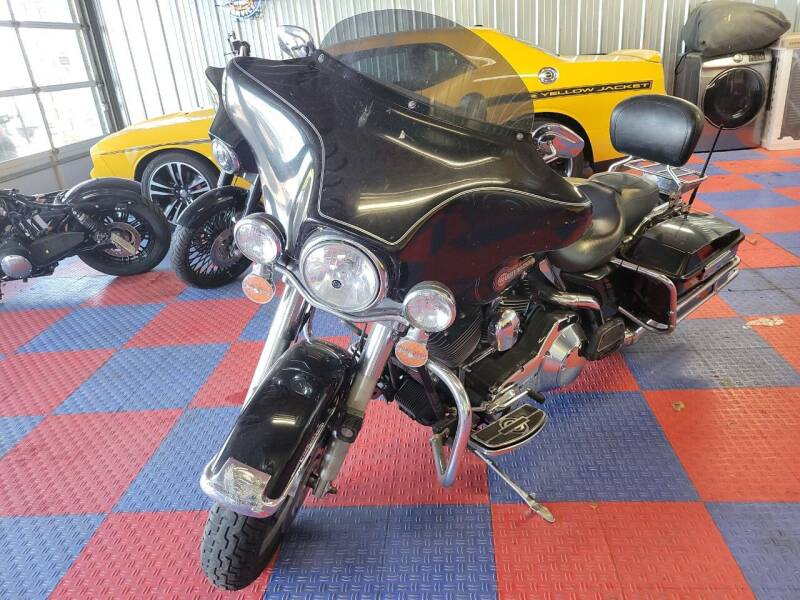 2005 Harley-Davidson Electra  Glide for sale at Cruisin' Auto Sales in Madison IN