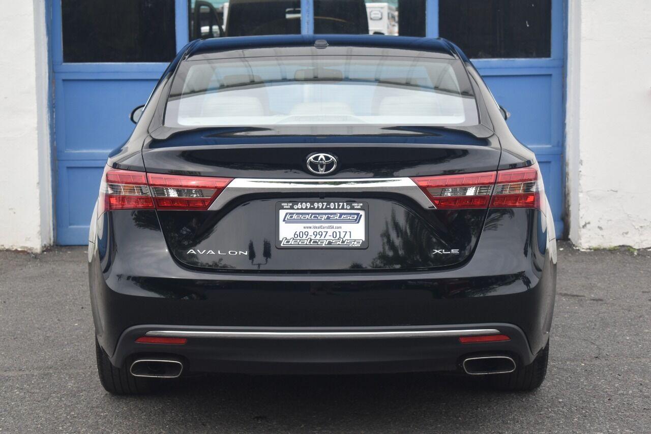 2016 Toyota Avalon XLE 4dr Sedan full