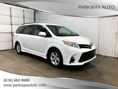 2019 Toyota Sienna for sale at PARKWAY AUTO in Hudsonville MI