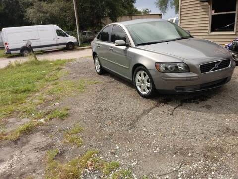 2006 Volvo S40 for sale at DAVINA AUTO SALES in Orlando FL