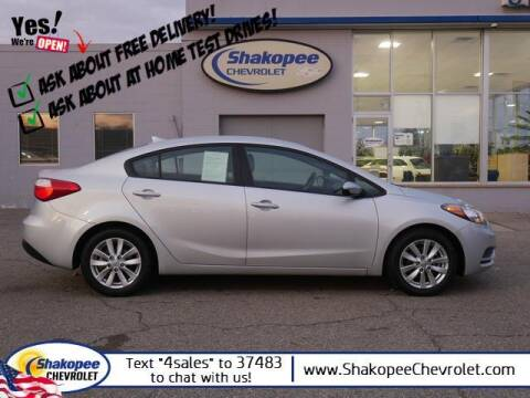 2016 Kia Forte for sale at SHAKOPEE CHEVROLET in Shakopee MN