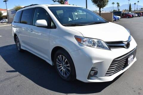 2019 Toyota Sienna for sale at DIAMOND VALLEY HONDA in Hemet CA