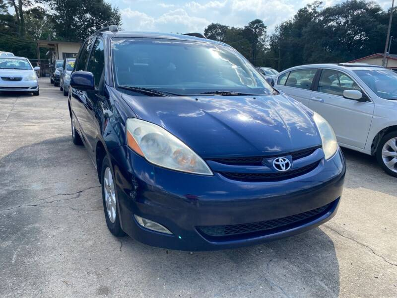 2006 Toyota Sienna for sale at Port City Auto Sales in Baton Rouge LA
