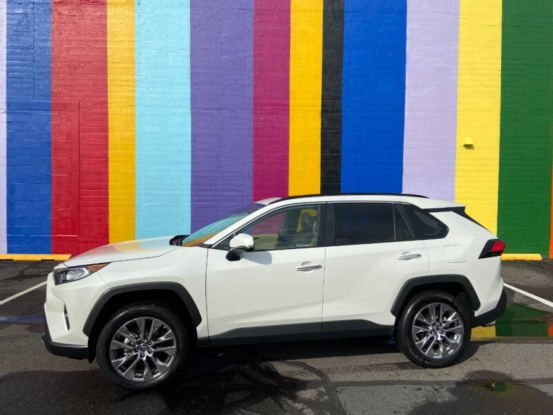 2019 Toyota RAV4 for sale at JOSE MESA AUTO WHOLESALE , LLC in Portland OR