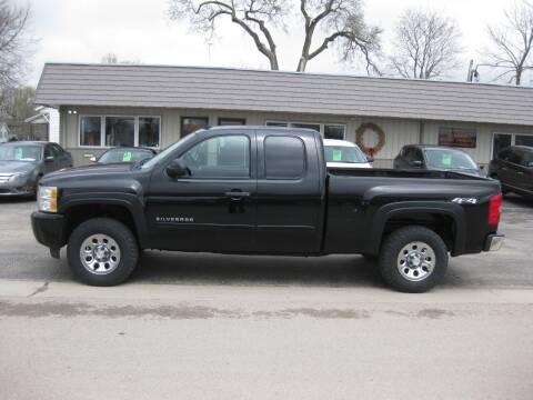2011 Chevrolet Silverado 1500 for sale at Greens Motor Company in Forreston IL