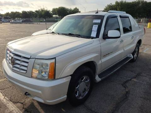 2003 Cadillac Escalade EXT for sale at HERMANOS SANCHEZ AUTO SALES LLC in Dallas TX
