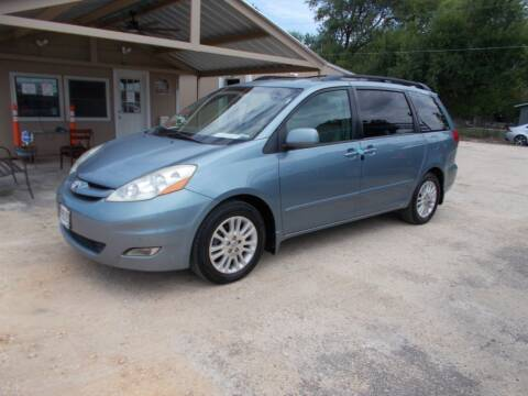 2010 Toyota Sienna for sale at DISCOUNT AUTOS in Cibolo TX